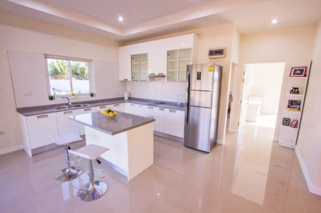 Baan Yu Yen - Pool Villas For Sale between Hua Hin and Pranburi (11)