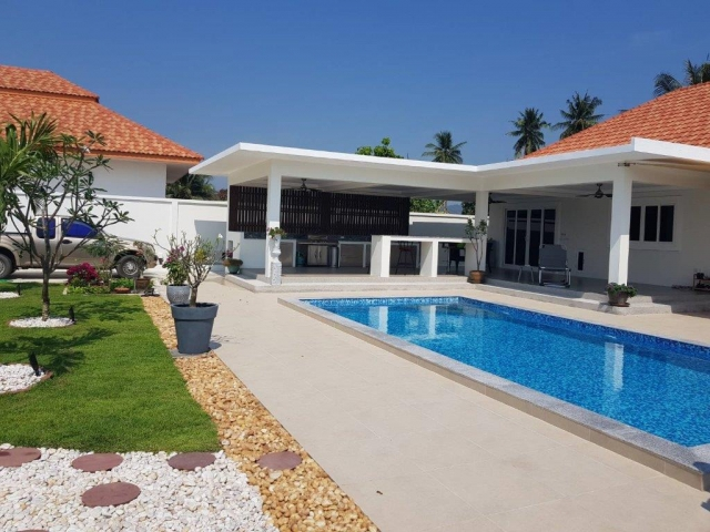 Baan Yu Yen - Pool Villas For Sale between Hua Hin and Pranburi (49)