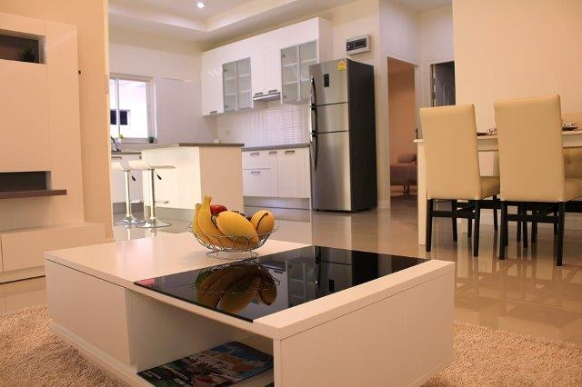 Dinning and living area (3)